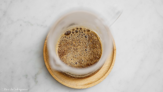 タカムラ コーヒーロースターズのコーヒー豆をフレンチプレスで淹れる、蒸らし段階