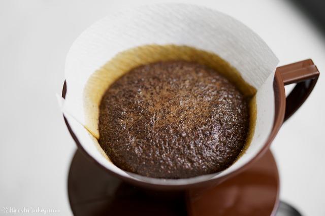 焙煎香房シマノのコーヒー豆を蒸らし