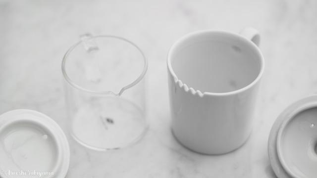 華剛茶業 テイスティング用ガラス製茶海セットと一般的なテイスティングカップの比較