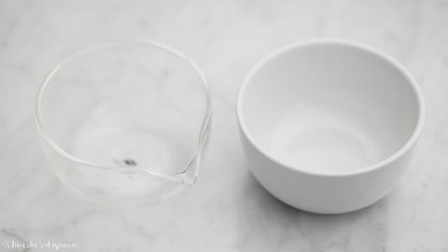華剛茶業 テイスティング用ガラス製茶海セットと一般的なテイスティングカップの茶海の比較