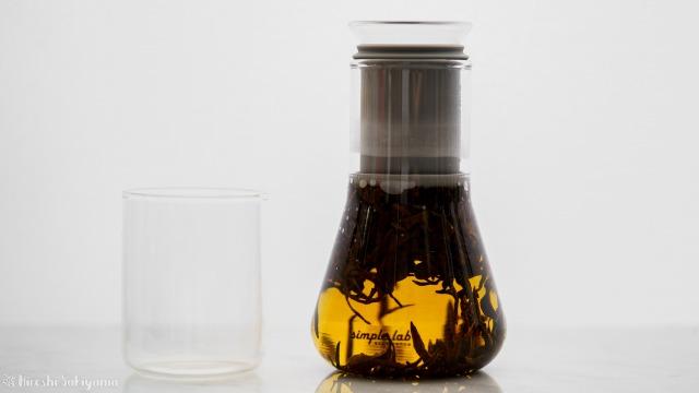 Simple Lab Experience KUNG-FU tea set on-goで抽出中