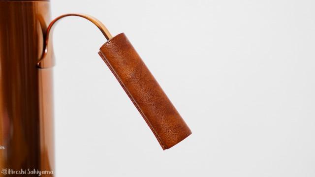 APIX(アピックス) 温度調節機能付き電気カフェケトルのレザー風ハンドル