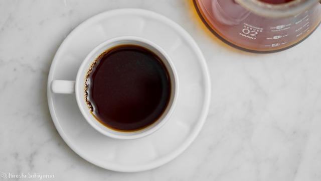珈琲螺房のブルーマウンテンNO.1で入れたコーヒーを上から