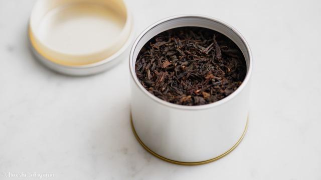 マキノ 紅茶缶に紅茶を入れた