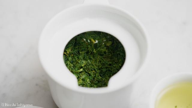 白山陶器 茶宝 栗茶の急須でお茶を淹れた後